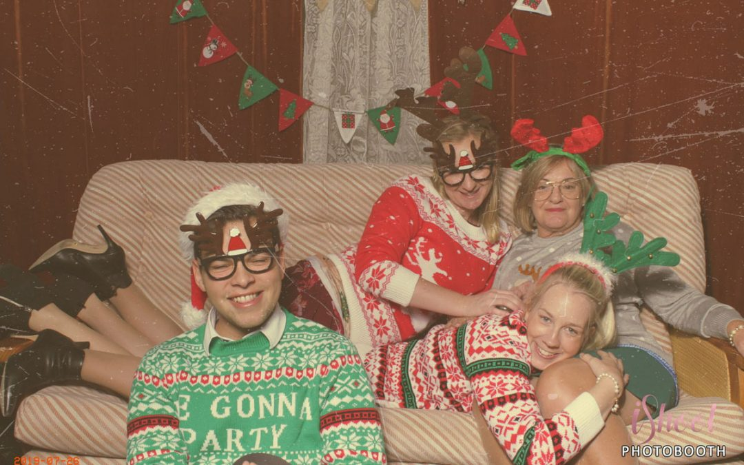 Awkward Fun Christmas Family Photos