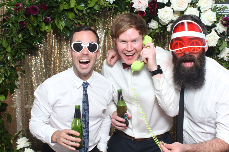 3 Tips to Find the Perfect Photo Booth